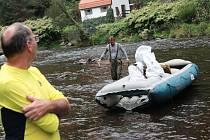 Vltavu a její břehy uklízelo v sobotu 236 dobrovolníků.