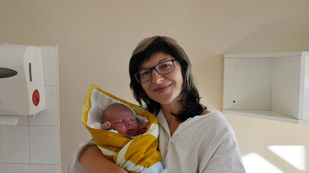 Vít Božovský se rodičům Pavle Broučkové a Luboši Božovskému narodil 30. 10. 2018 v 17.52 h. Při narození vážil 3,95 kg. Doma v Malešicích ho přivítal bráška, 3letý Filip.