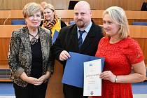 Hejtmanka a Miloslav Císařovský - Lahůdky U zlaté rybky.