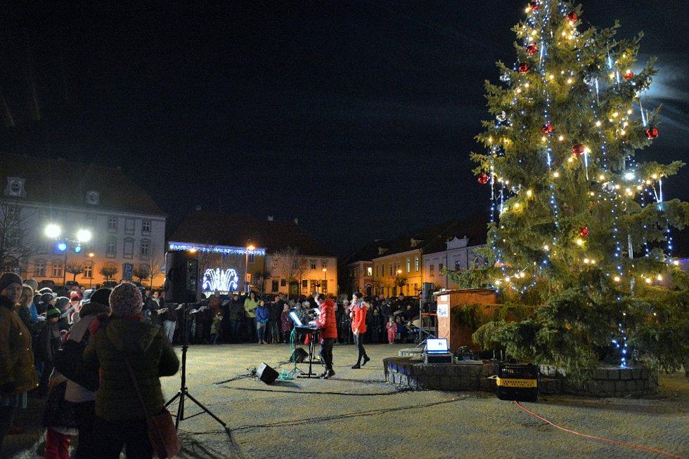 Česko zpívá koledy 2019 v Týně nad Vltavou.
