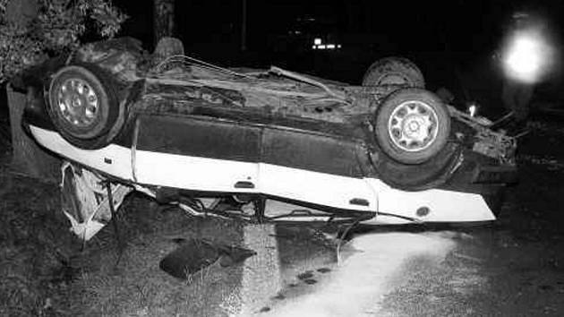 Při nehodě tohoto vozidla zemřela dvojice mladíků.