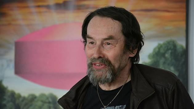 Jihočeský spisovatel Jan Bauer slaví v sobotu 75 let.
