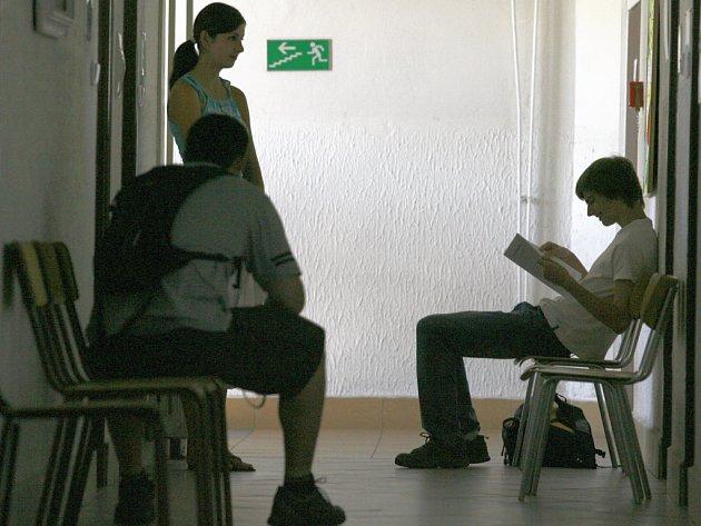 Tento týden se konaly přijímací zkoušky na vysokých školách v Č.  Budějovicích.  Studenti se chystali také na VŠERS.