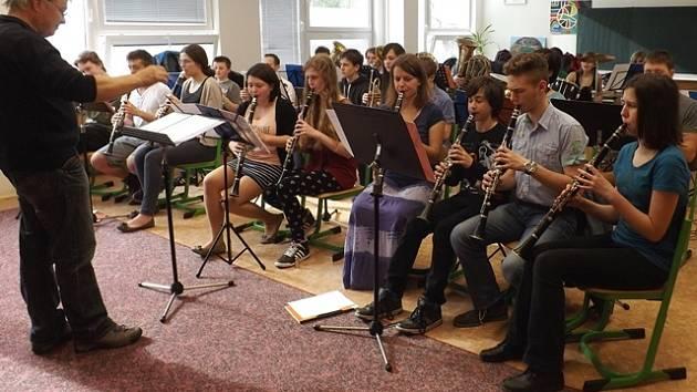 Mladé hudebníky Druhá soukromá základní umělecká škola České Budějovice vzdělává již dvacet let.