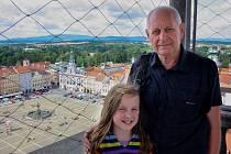 Léto je v plném proudu, ale na Černou věž se turisté začali hrnout až se začátkem tohoto týdne.