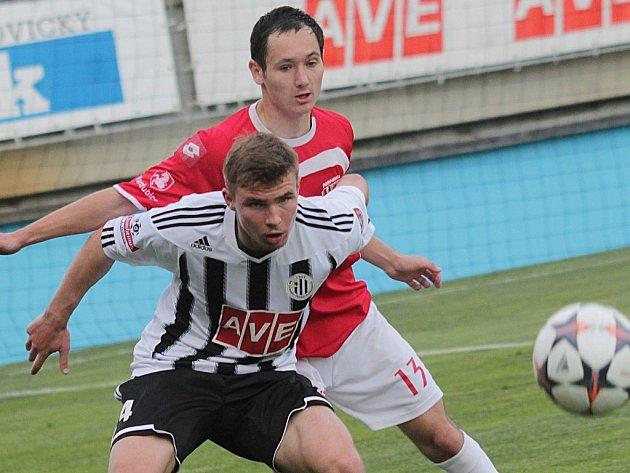 Zdeněk Linhart se s Pardubicemi doma střelecky neprosadil, uspěje v neděli proti Karviné?