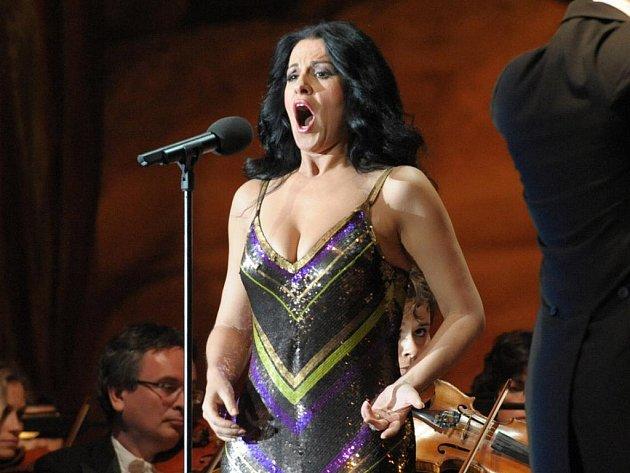 Operní superstar Angela Gheorghiu zakončí 18. srpna letošní Mezinárodní hudební festival v Českém Krumlově.
