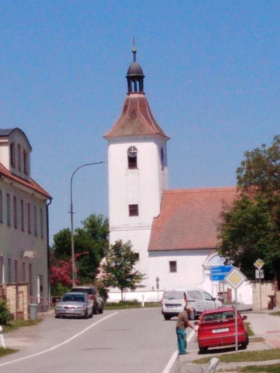 Obec Pištín.