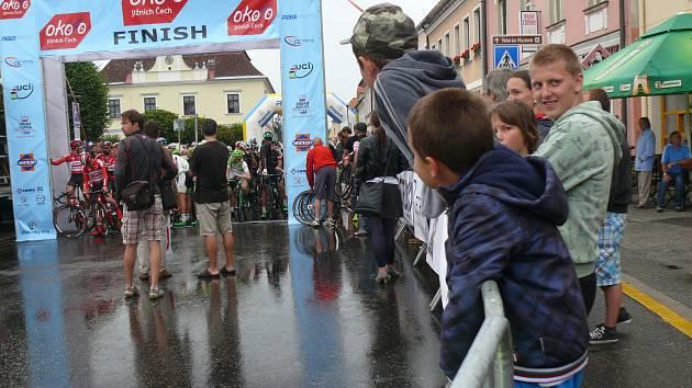 Víte, co všechno musí splnit pořadatel závodu? Závod okolo jižních Čech se letos nejede.