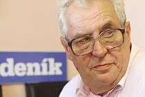 Miloš Zeman při on-line rozhovoru se čtenáři Českobudějovického deníku v létě 2012.