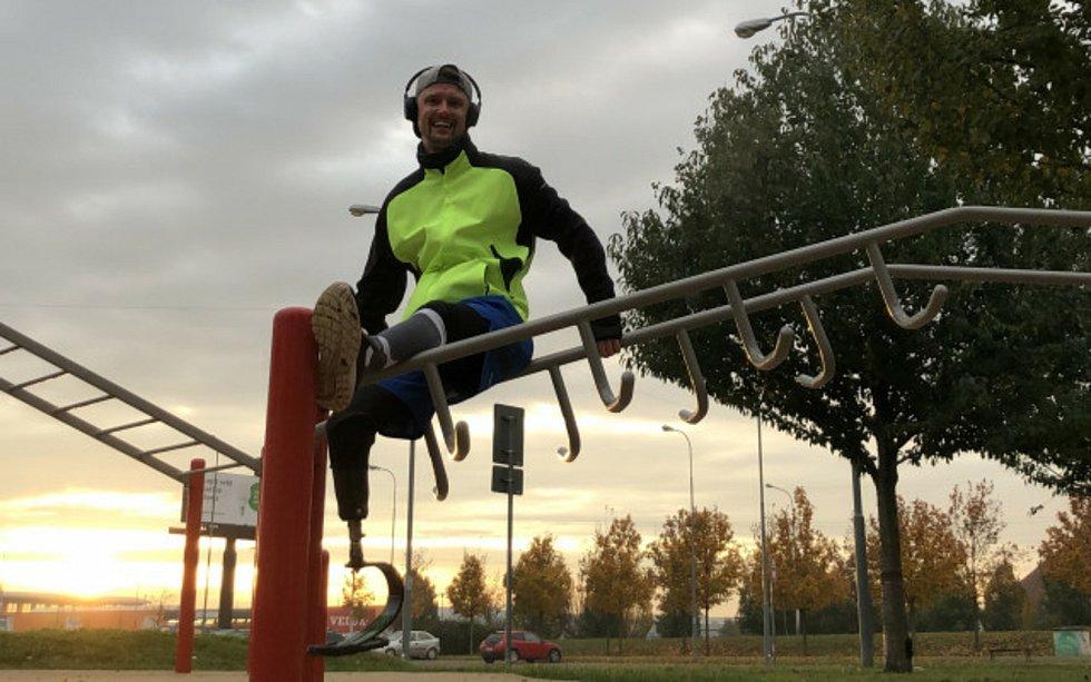 Ondřej Procházka z Brna si nechal postavit speciální sportovní protézu. Zaplatí ji z peněz od dárců.