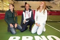 Zleva Iveta Benešová, Petr Pála a Petra Kvitová.