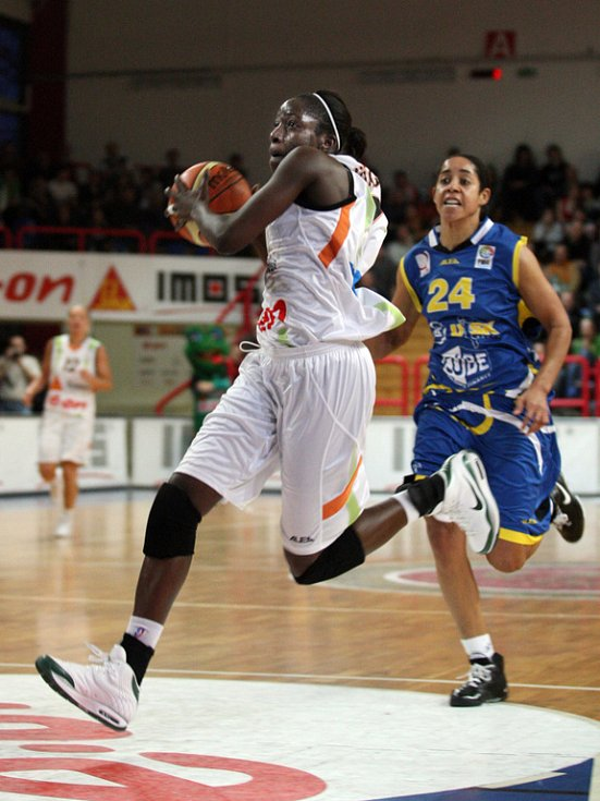 Basketbalistky Gambrinusu můžou vybojovat domácí titul. Už počtrnácté v řadě.