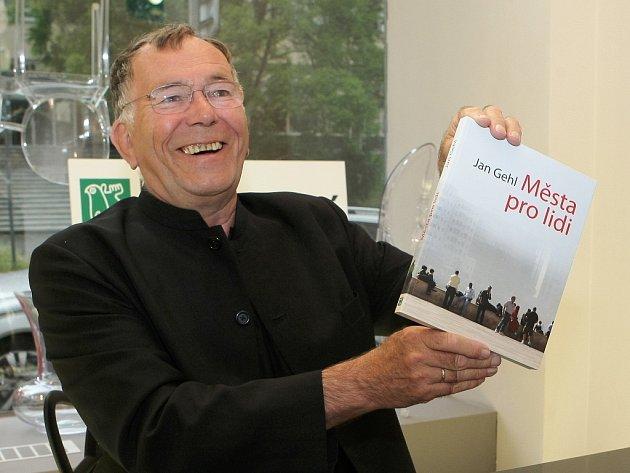 Dánský architekt Jan Gehl v Brně představil český překlad své nejnovější knihy Města pro lidi.