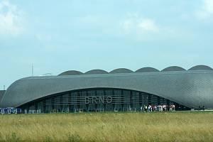 Patnáct let od otevření nového terminálu slaví v těchto dnech brněnské letiště Tuřany.  Můžeme nahlédnout do míst, která jsou jindy cestujícím skrytá.