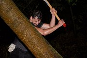 Za jediný den pokácel v Lednici strom, vyrobil z něj dřevěné kolo a šedesát kilometrů ho po silnici dokutálel až do Brna. Herec Dušan Vitázek takto první zářijovou neděli zopakoval téměř čtyři sta let starou legendu koláře Jiřího Birka.
