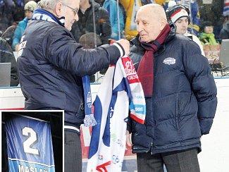 Legendární obránce Komety a držitel všech jedenácti československých titulů tohoto klubu František Mašlaň.