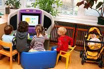 Počítače přižpůsobené dětem mají v mateřských školkách a dvou stacionářích.