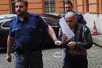 Ukrajinec Vladimír Švačuk u Krajského soudu v Brně.