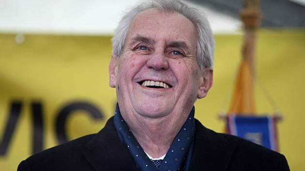 Prezident Miloš Zeman navštíví v září jižní Moravu. Školní rok zahájí v Rajhradě