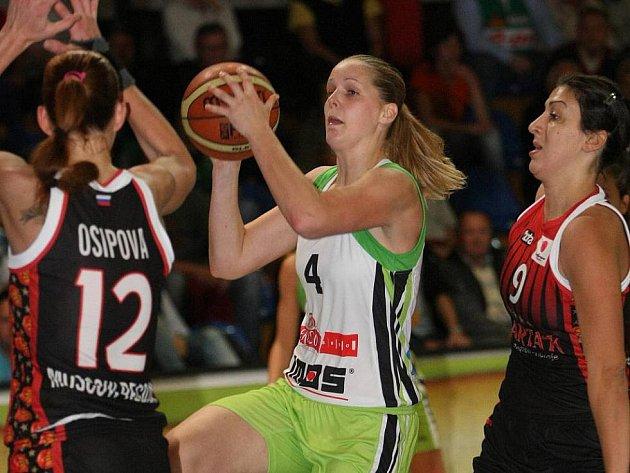 Basketbalistka Alena Hanušová ještě v dresu Imos Brno.