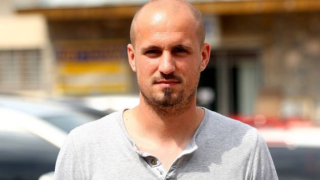 Ředitel, trenér a útočník Rosic Petr Čejka.