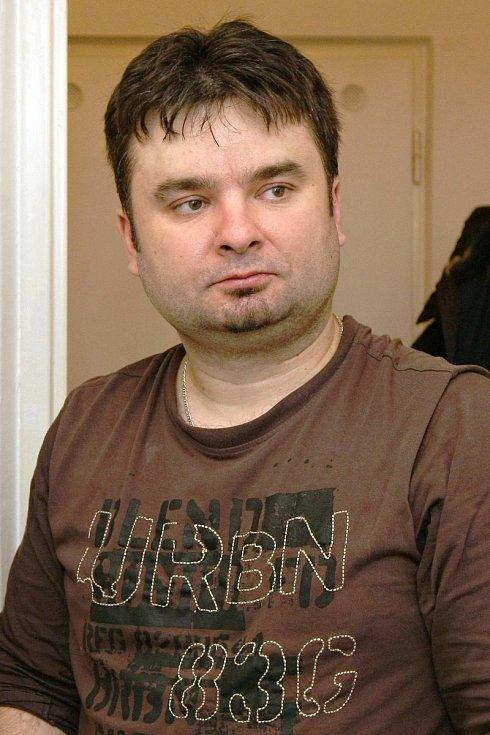 Seriál Deníku Rovnost Na den s... Na snímku hodinový manžel Pavel Ryšánek.