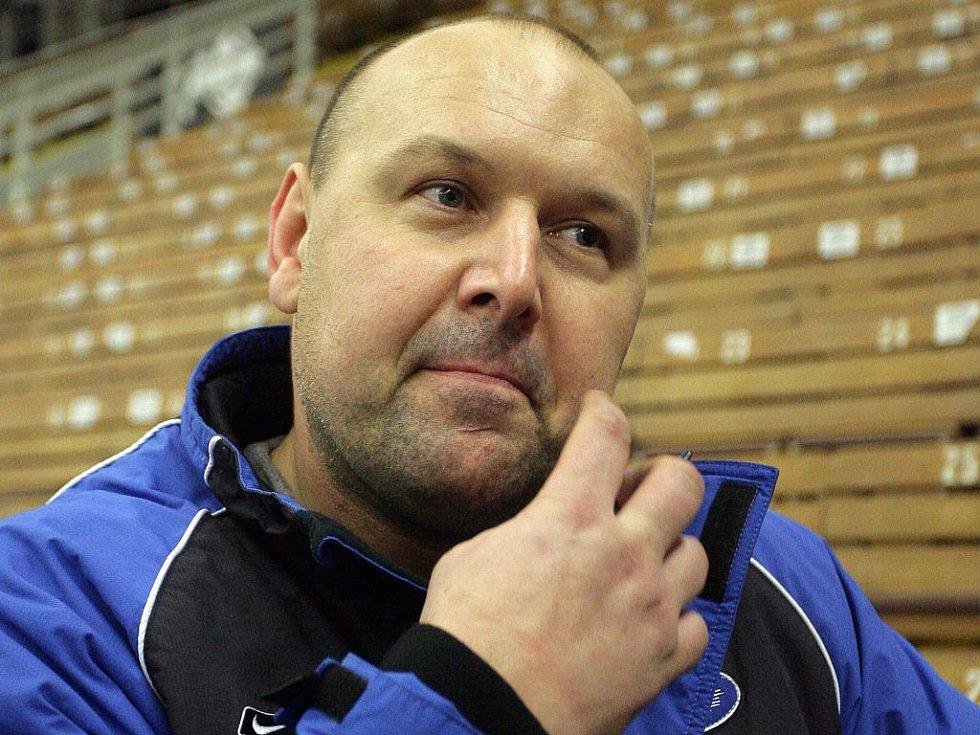 Bývalý trenér brněnské Komety Ladislav Lubina povede v příští sezoně tým Pardubic.