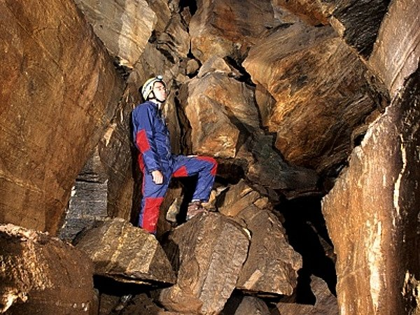 Chodby Ledových slují u Vranova nad Dyjí přitahují pozornost místních lidí i odborníků. Ti si už dlouho lámou hlavu nad příčinami jejich vzniku.