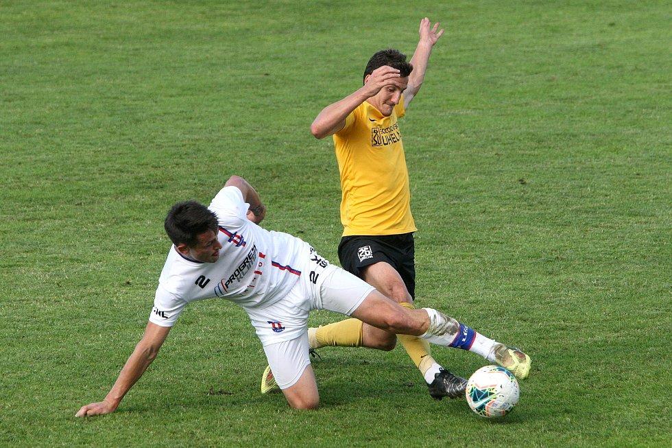 24.6.2020 - 26 kolo F:NL mezi domácí SK Líšeň (bílá - Jan Silný) proti FK Baník Sokolov (žlutá - David Skopec)