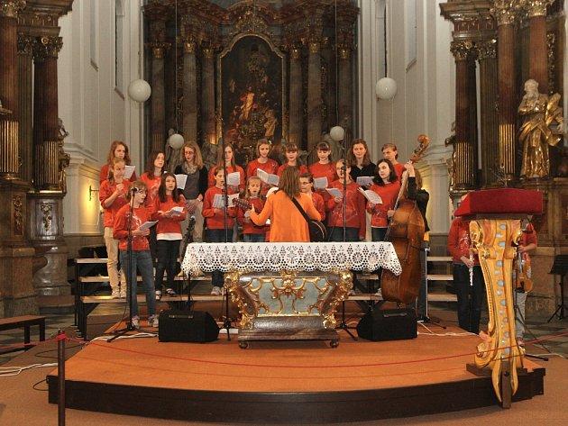 Téměř sto padesát svatostánků spadajících pod brněnskou diecézi otevřelo mimořádně své brány návštěvníkům. Konal se čtvrtý ročník Noci kostelů.
