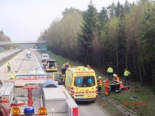 Nehoda na D1 uLesní Hluboké.
