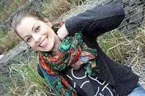 Hana Holišová si diváky získává svým talentem i úsměvem.