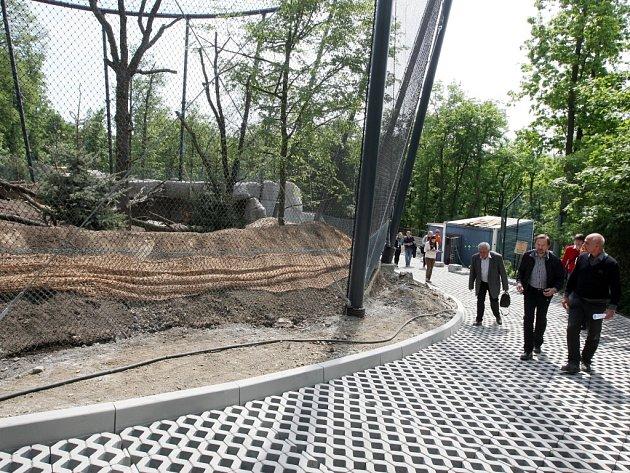 Expozice orlů v brněnské zoo.
