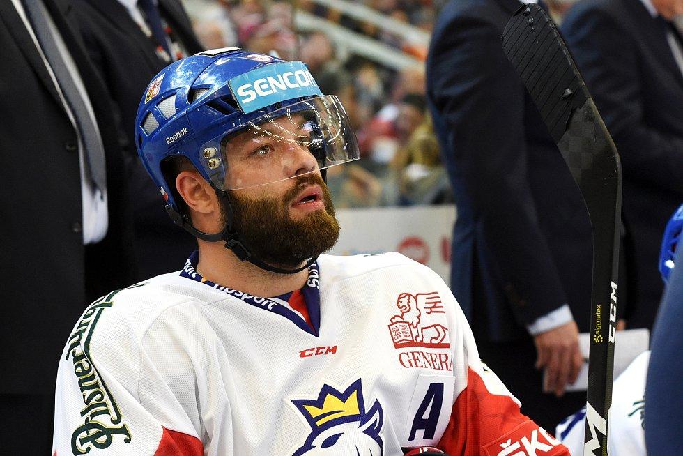 Úvodní zápas Carlson Hockey Games v brněnské DRFG aréně mezi Českou republikou (Radko Gudas)) v bílém a Finskem