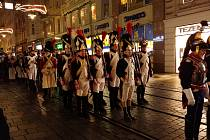 Brnem prošel průvod vojáků z napoleonských dob. V Denisových sadech uctili památku těch, kteří padli při bitvě tří císařů u Slavkova.