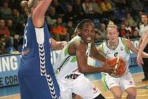 Basketbalistky Frisco Sika Brno porazily poslký Gorzów 71:64.