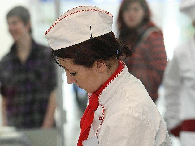 Na výstavišti v pavilonu A 2 soutěžili mladí kuchaři a číšníci.