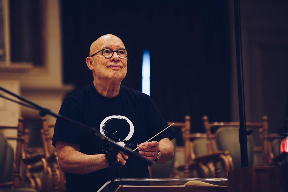 Z nahrávání CD s hudbou Antonína Dvořáka.