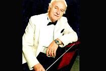 Dirigent Arnošt Moulík.