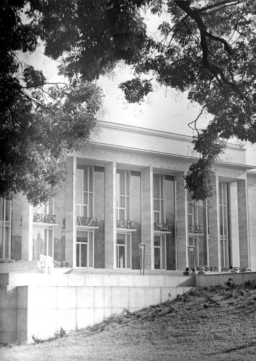 Janáčkovo divadlo v roce 1965.