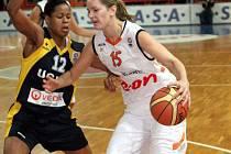 Basketbalistka Eva Vítečková