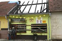 Požár prodejny potravin v Březině na Tišnovsku.