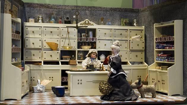 V brněnském Muzeu hraček lidé najdou vzácné historické hračky ze sbírky brněnské výtvarnice Milady Kollárové.