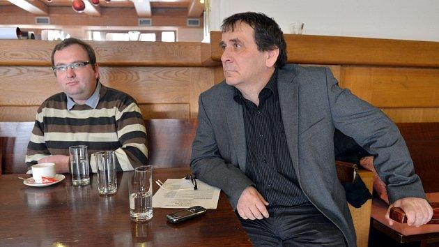 Dramaturg Ladislav Stýblo a režisér Petr Kracik.