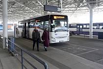 Opravené autobusové nádraží v Brně na Zvonařce.