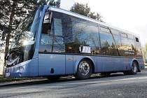 Otestovat autobus na elektrický pohon v podmínkách zimního Brna se rozhodl dopravní podnik. Tiché vozidlo, které nepotřebuje výfuk, si dopravce půjčil přímo od výrobce.