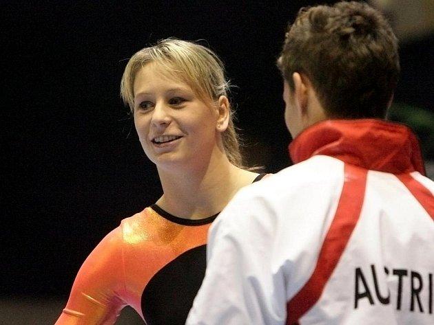 Sportovní gymnastka Šikulová.