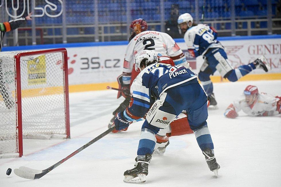 Hokejisté Komety v posledním zápase před pauzou hostili Hradec Králové.