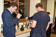 Ve Valticích vyhlašovali v úterý nového šampiona Salonu vín. Stalo se jím pošesté Zámecké vinařství Bzenec.